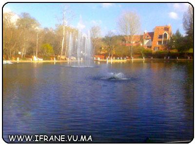 ifrane la fontaine du lac